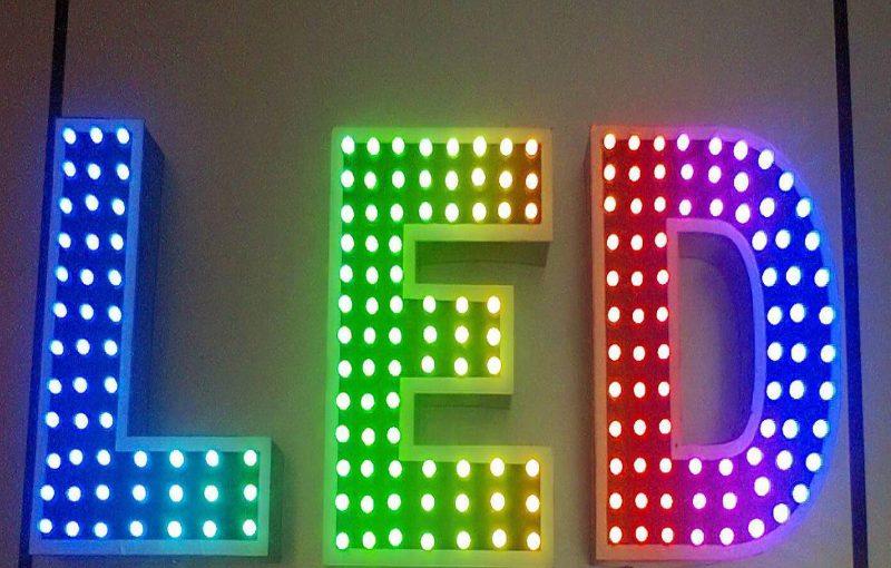 Bảng hiệu đèn led có chi phísản xuất thấp hơn các loại hình quảng cáo khác