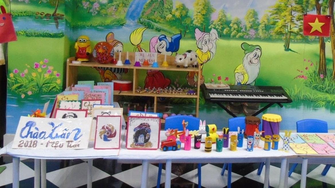 gian hàng hội chợ tuổi thơ
