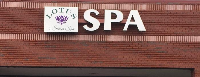các mẫu biển quảng cáo spa